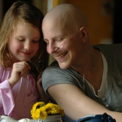 Mother, cancer patient whose wish for new house was granted, dies at 35