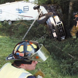 Camper rollover forces partial shutdown of I-95 in Fairfield