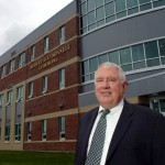Husson president to step down