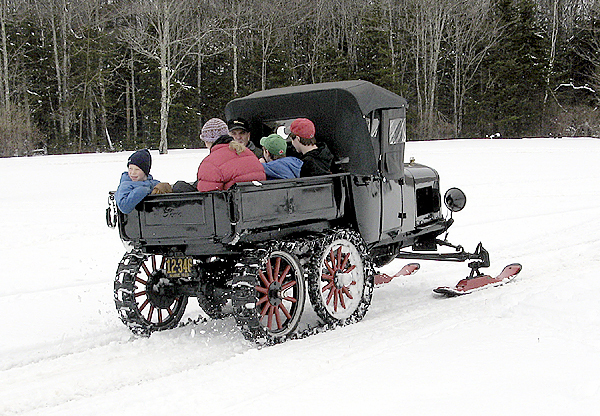 Gear heads, antique lovers brave cold for Transportation Museum's WinterFest