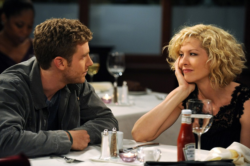 &quotThe Date&quot -- Billie (Jenna Elfman) and Zack (Jon Foster) agree to date other people, on ACCIDENTALLY ON PURPOSE, Monday, Oct. 5 (8:30-9:00 PM, ET/PT) on the CBS Television Network. Photo: Eric McCandless/CBS ?2009 CBS Broadcasting Inc. All Rights Reserved.