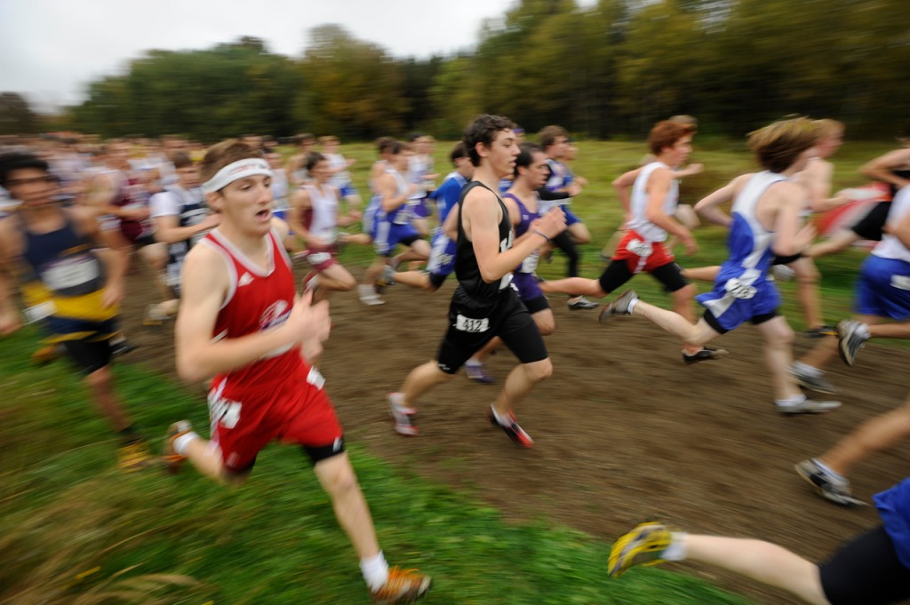 The boys take off from the start of their seeded race of the 2009 Maine Cross Country Festival of Champions in Belfast Saturday afternoon, October 3, 2009. (Bangor Daily News/John Clarke Russ)