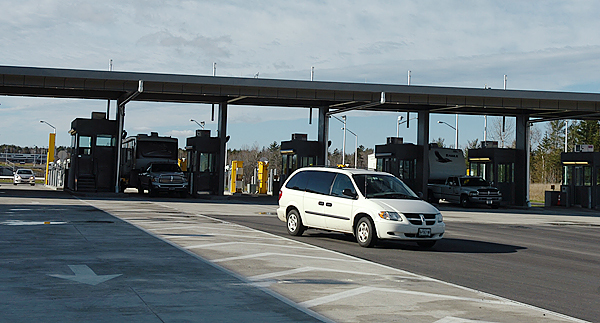 Traffic enters the U.S. through the new border port in Calais on Monday, Nov. 16, 2009. (Bangor Daily News/Bridget Brown)