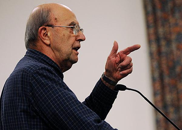 Bangor resident Charles Birkel speaks highly of City Manager Ed Barrett during a public comment session on Monday November 23, 2009 at Bangor City Hall. (Bangor Daily News/Kevin Bennett)