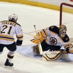 Thomas makes 34 saves, Bruins beat Panthers 2-1