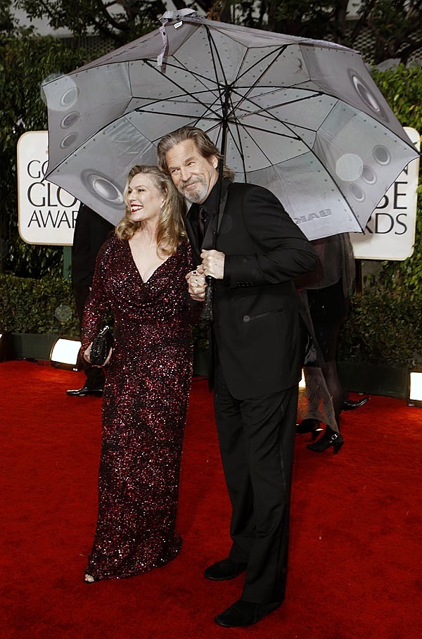 Jeff Bridges and Susan Bridges arrive at the 67th Annual Golden Globe Awards on Sunday, Jan. 17, 2010, in Beverly Hills, Calif. (AP Photo/Matt Sayles)