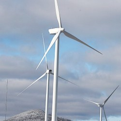 Governor addresses Maine Wind Energy Conference