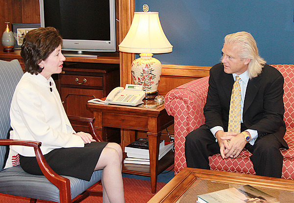 WASHINGTON, D.C.? Senator Susan Collins met Tuesday, March 2, 2010  with the president of Bumble Bee Foods, Inc., Chris Lischewski, regarding the announced closure of the company?s sardine cannery in Prospect Harbor. (Photo courtesy of Sen. Collins' office)