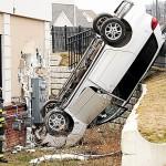 Maine woman crashes minivan into NH laundry
