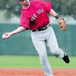 Lowell returns to lineup for Red Sox
