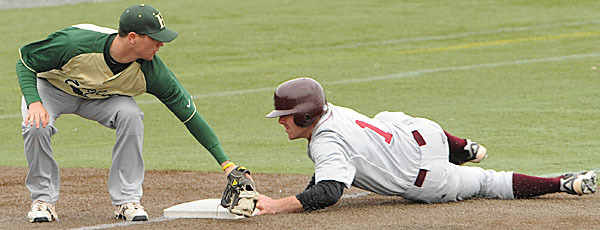 Husson bests Bates, Morris solid on mound