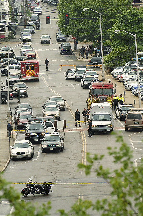 Greyhound bus bomb threat in Portsmouth, New Hampshire.  (Photo by Lorenzo Vigil)