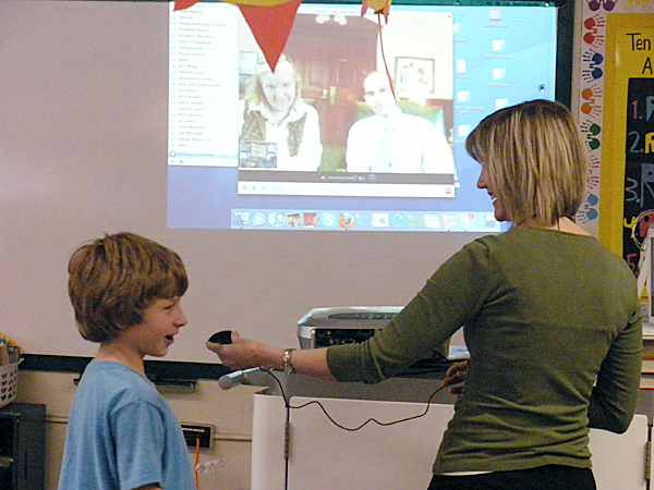 Gov. John Baldacci and his wife, Karen, used teleconferencing for the first time together on Monday to visit the third grade classroom of Cherrie MacInnes at Washington Street School in Brewer. BANGOR DAILY NEWS PHOTO BY NOK-NOI RICKER