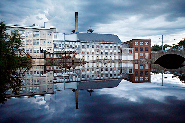 **ADVANCE FOR MONDAY, AUG.  17** In this Thursday, Aug. 6, 2009 photo, the Moosehead Manufacturing plant, which stopped operating two years ago, sits vacant on the banks of the Piscataquis River in Dover-Foxcroft, Maine.  (AP Photo/Robert F. Bukaty)