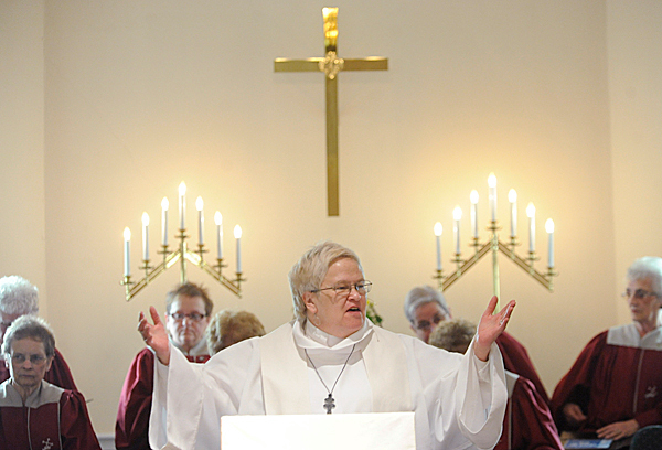 Rev. Lyn Bradley, pastor at First Congregational Church of Millinocket, delivers the sermon during the service there Sunday, May 9, 2010. Rev. Bradley will receive her doctorate from Bangor Theological Seminary in Portland on May 21. BANGOR DAILY NEWS PHOTO BY JOHN CLARKE RUSS