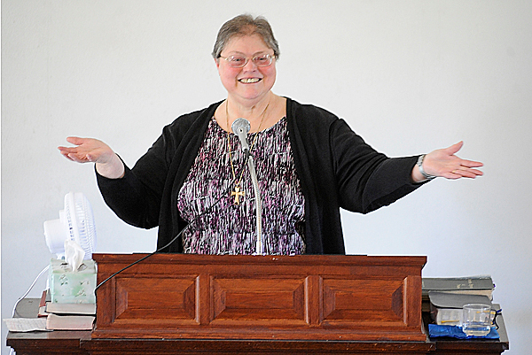 Pastor Ruth Guerette delivers the sermon at Kenduskeag Union Church May 16, 2010. Pastor Guerette is graduating this week from Bangor Theological Seminary on May 21.  BANGOR DAILY NEWS PHOTO BY JOHN CLARKE RUSS