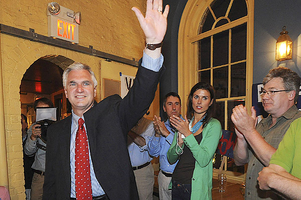 Steve Rowe waves to supporters and staff as he arrives to his campaign party in Portland election night, Tuesday, June 8, 2010. (Bangor DAily News/Gabor Degre)