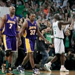 Lakers receive spoils from 2nd straight NBA title