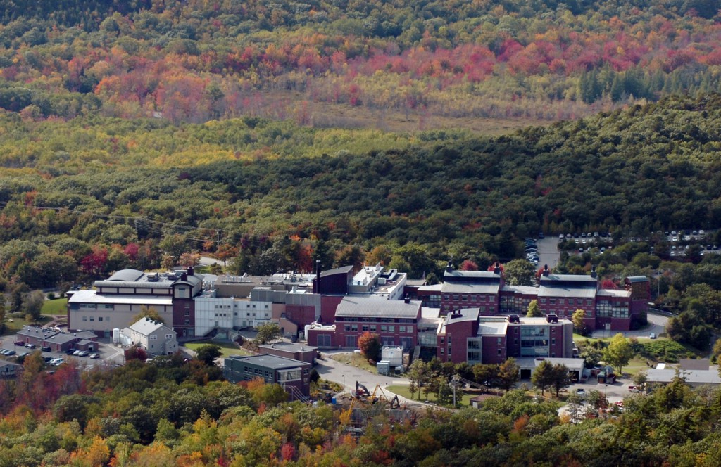 (BANGOR DAILY NEWS PHOTO BY BRIDGET BROWN)  CAPTION  The Jackson Laboratory on Mount Desert Island is seen in an aerial photo taken Monday, Oct. 5, 2009. (Bangor Daily News/Bridget Brown)
