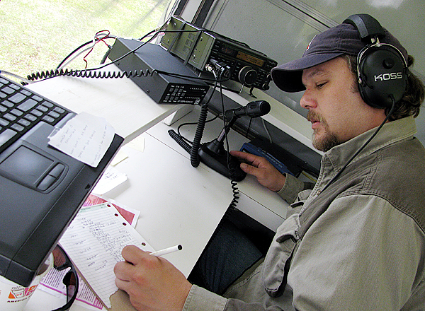 Ham radio enthusiasts meet to fine-tune skills
