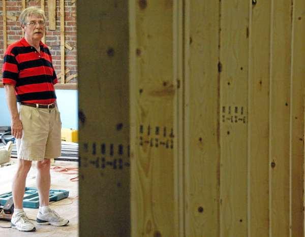 LEEWORKS3: Lee Academy Headmaster Bruce Lindberg.(Bangor Daily News/Nick Sambides Jr.)