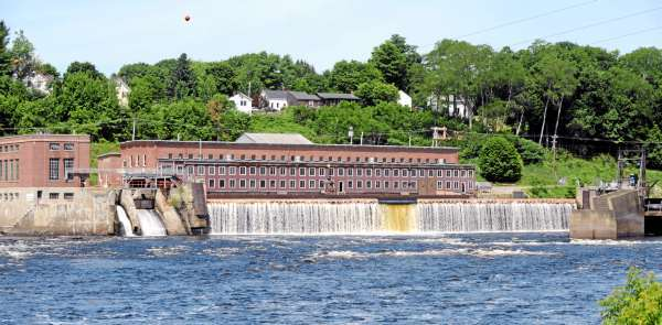 The Federal Energy Regulatory Commission has approved the Penobscot River Restoration Trust's request to decommission and remove the Veazie Dam (pictured) and Great Works Dam as well as decommission and bypass the Howland dam. The project aims to reopen hundreds of miles of rivers and streams to Atlantic salmon and other migratory fish. The Maine Department of Environmental Protection has opened a public comment period on the draft decision approving the trust's plans for the Veazie and Howland dams.  (BANGOR DAILY NEWS PHOTO BY GABOR DEGRE)  CAPTION  The DEP issued draft permits to remove the Veazie dam. (Bangor Daily News/Gabor Degre)