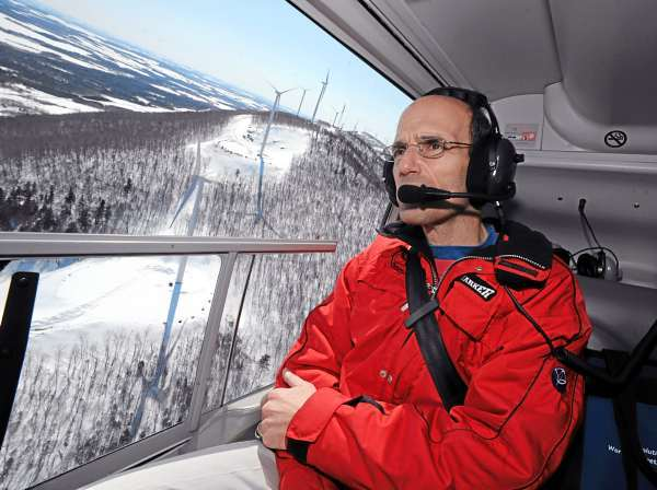 VIEW FROM ABOVE   Gov. John Baldacci views the Mars Hill wind farm developed by UPC Wind from the air on Tuesday. During a press conference at big Rock Ski Area, Baldacci spoke highly of the benefits of wind energy and cited Mars Hill and new wind projects in Danforth and around the state as the future of renewable energy for Maine.  (BANGOR DAILY NEWS PHOTO BY KEVIN BENNETT)  CAPTION  Gov. John Baldacci views the Mars Hill wind farm developed by UPC Wind from the air on Tuesday, March 25, 2008. During a press conference at Big Rock Ski Area, Baldacci spoke highly of the benefits of wind energy and cited Mars Hill and new wind projects in Danforth and around the state as the future of renewable energy for Maine. (Bangor Daily News/Kevin Bennett)