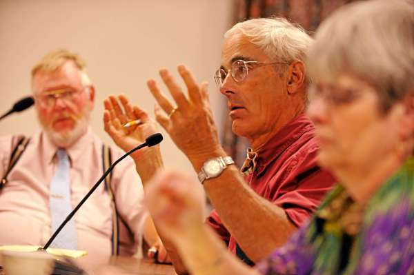 Bangor City Councilor Geoffrey Gratwick, center, joined Gerry G.M. Palmer Jr.  (left), Susan Hawes (right) and other council subcommittee members Tuesday evening, August 10, 2010 to discuss an ordinance change regarding where sex offenders can live in the city. A Bangor City Council subcommittee voted Tuesday evening, August 10 to send the issue to the full council.   (Bangor Daily News/John Clarke Russ)