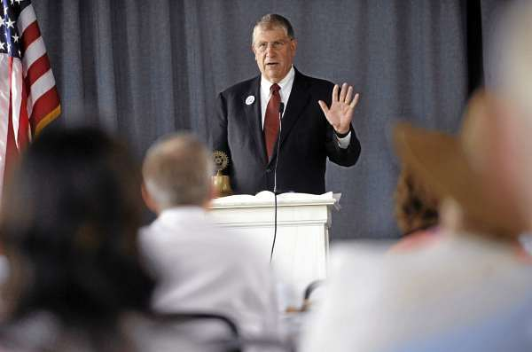 Independent gubernatorial candidate Eliot Cutler speaks to Bangor Rotarians at their luncheon at the Seminary Hill Campus in Bangor Tuesday afternoon, August 17, 2010. (Bangor Daily News/John Clarke Russ)