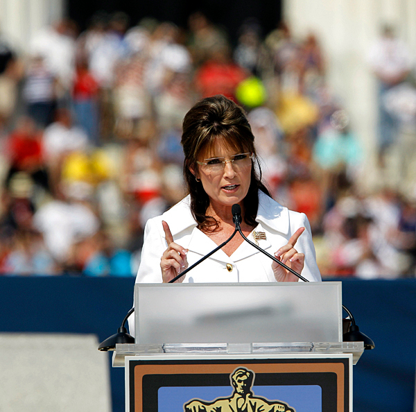 Former Gov. Sarah Palin speaks at the Glenn Beck &quotRestoring Honor&quot rally in front of the Lincoln Memorial in Washington, Saturday, Aug. 28, 2010.(AP Photo/Alex Brandon)