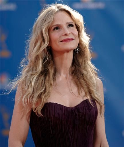 Kyra Sedgwick arrives at the 62nd Primetime Emmy Awards Sunday, Aug. 29, 2010, in Los Angeles. (AP Photo/Chris Pizzello)