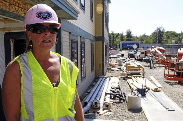 Breaking new ground: Women in construction
