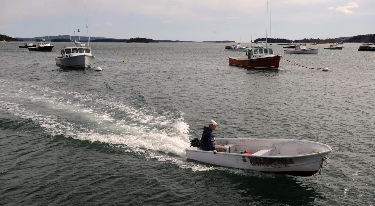 Maine's commercial fisheries rank third in value nationwide