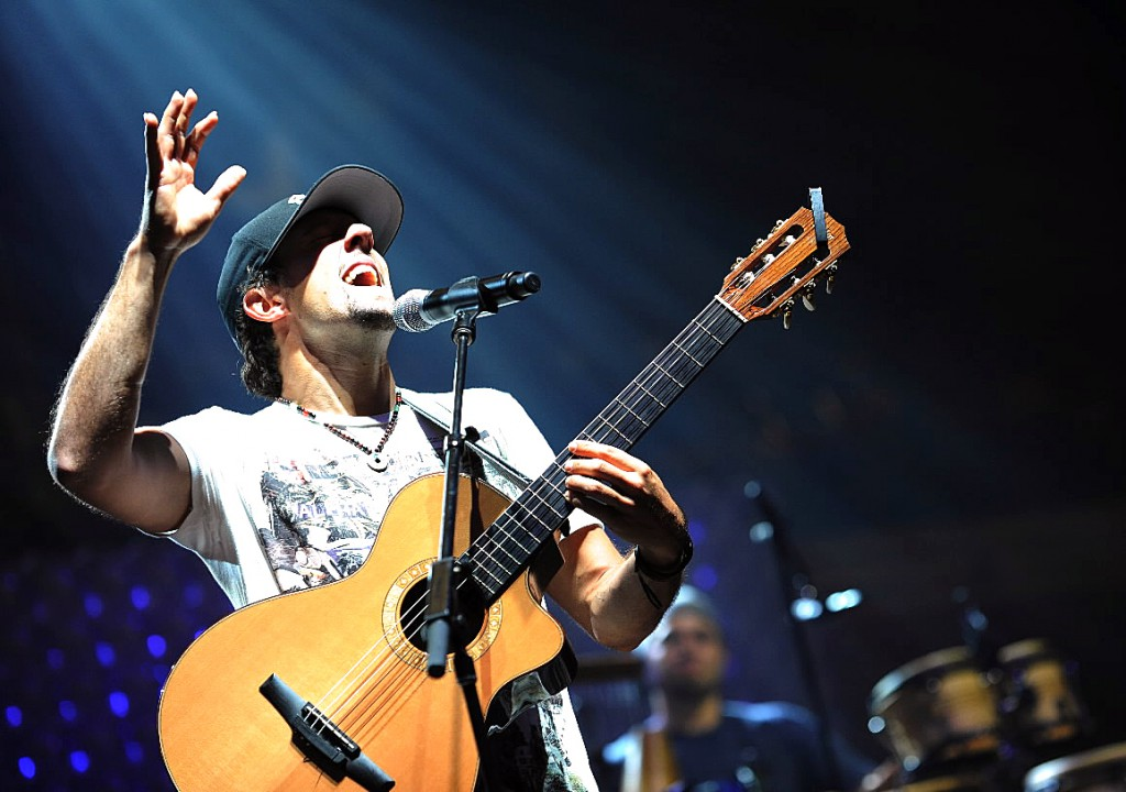 Jason Mraz performs during a sound and equipment check at the Bangor Auditorium on Thursday, September 9, 2010. Marz and his band will be in concert on the Bangor waterfront  Saturday, September 11, 2010. (Bangor Daily News/Kevin Bennett)