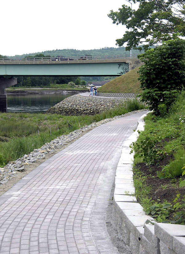 The new section of waterfront walkway in Bucksport already is attracting walkers. (Bangor Daily News photo by Rich Hewitt)