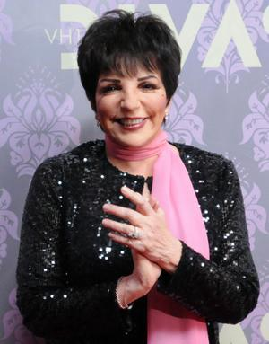 Liza Minelli arrives at the VH1 Divas concert on Thursday, Sept. 17, 2009 in New York.