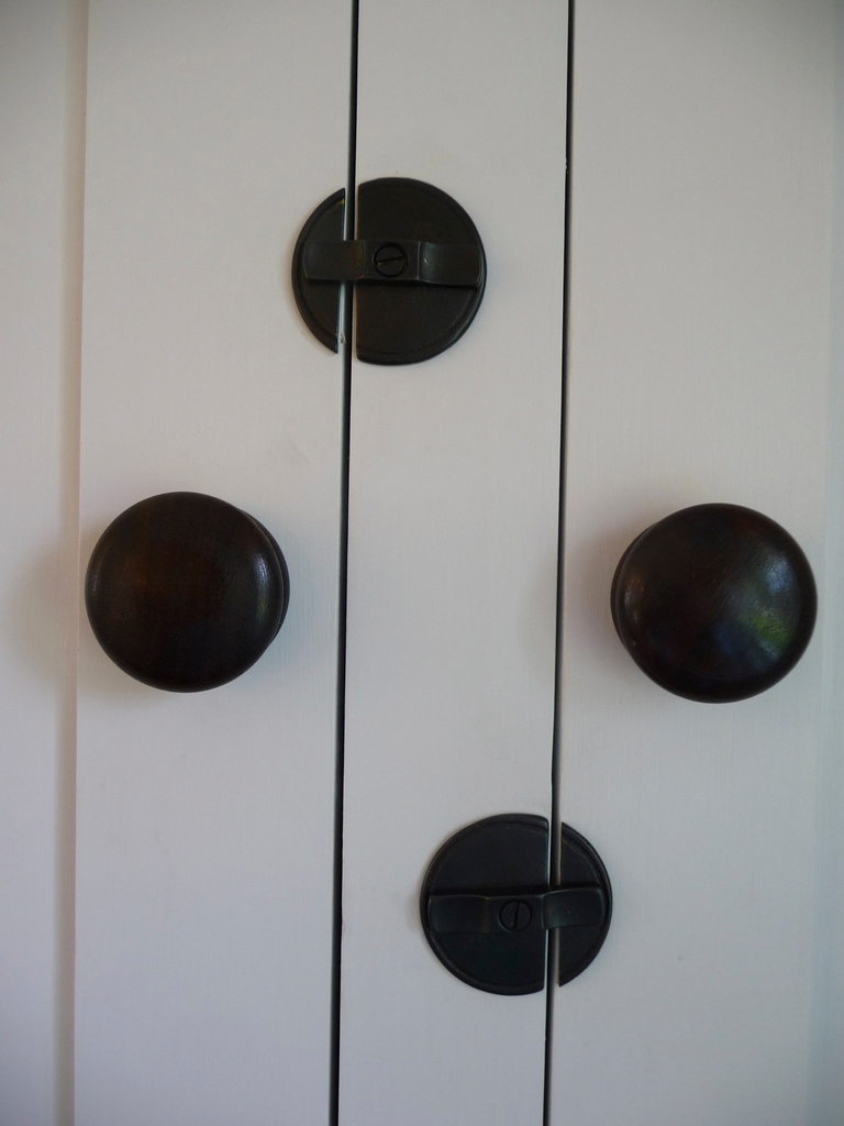 detail of cupboard hardware. w/fineartist. BANGOR DAILY NEWS PHOTO BY SHARON KILEY MACK