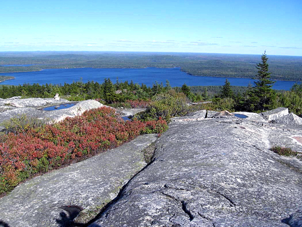 Popular peaks beckon hikers in the fall