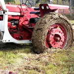 Mapleton man dies after falling under tractor mower