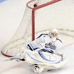 UMaine men's hockey cruises past Northeastern