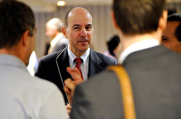 David Kappos, director of the U.S. Patent and Trademark Office, chats with participants in the Invention to Venture conference at the Black Bear Inn in Orono Wednesday, Nov. 10, 2010. (Bangor Daily News/John Clarke Russ)