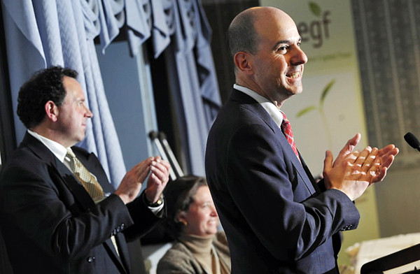 David Kappos, director of the U.S. Patent and Trademark Office joined organizers in congratulating participants in the Invention to Venture conference at the Black Bear Inn in Orono Wednesday, Nov. 10, 2010. (Bangor Daily News/John Clarke Russ)