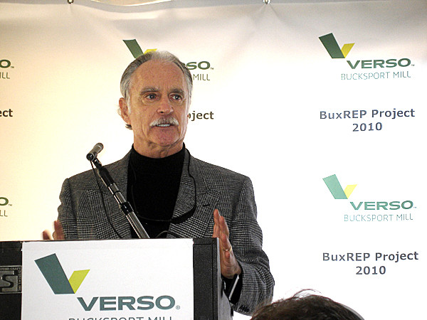 Verso Paper President and CEO Mike Jackson speaks Friday at a ceremony at teh Verso mill in Bucksport to kick off the mill's $40 million renewable energy project designed to virtually eliminate the use of fossil fuel on one of the mill's boilers and increasing the boiler's ability to burn biomass fuel. The project, which also includes installation of a new steam turbine, is expected to be completed and generating electricity by 2012. (Bangor Daily News/Rich Hewitt)