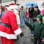 Santa Claus arrives in Rockland by boat