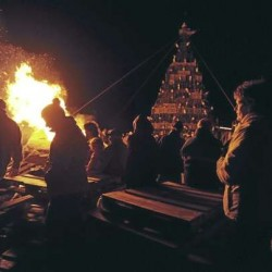 Lobster trap Christmas trees spur friendly competition between towns