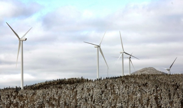 Turbines stand along the Kibby Mountain Range in remote Franklin County on Thursday, ready to start cranking out electricity when Gov. John Baldacci helps start up the project's first 22 windmills. (AP Photo/Pat Wellenbach)