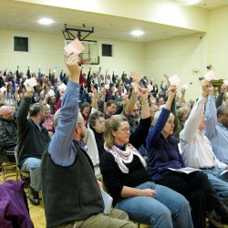 Warren residents vote to settle lawsuit over methadone clinic — for $1