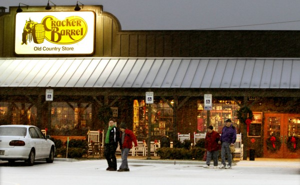 Cracker Barrel Brings Down Home Cookin To Maine News Bangor