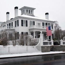 LePage buys $215,000 home in Boothbay, his first Maine property in four years
