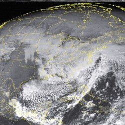 Nor'easter sweeps into Maine